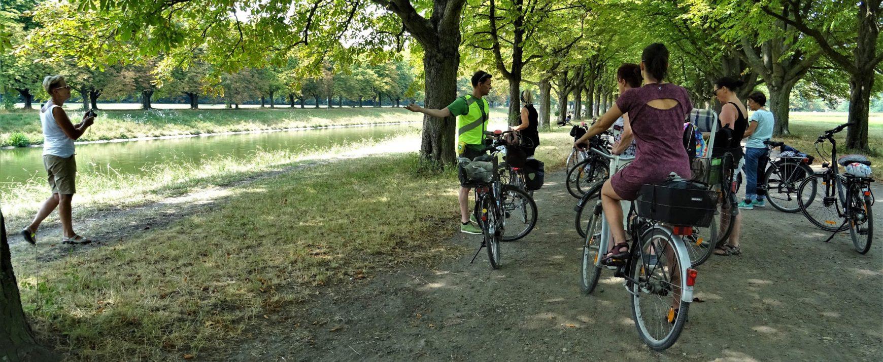 Im Westen viel Grünes. Fahrradführung