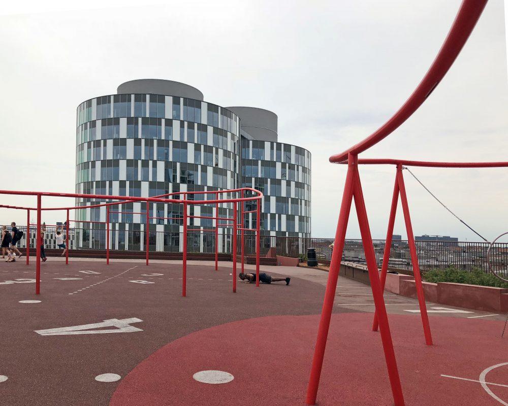 Kopenhagen Nordhavn | Sport- und Spielplatz auf der 9. Etage